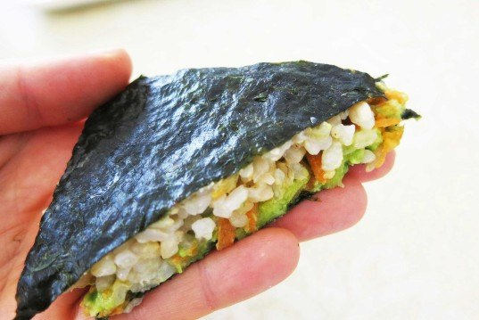 sushi sandwich, sushi rice, vegetable sandwich, recipe, flour-free recipe, bread-free sandwich, vegan recipe,  vegan lunch, inhabitots, inhabitat recipe, vegetable recipe, vegetable sushi