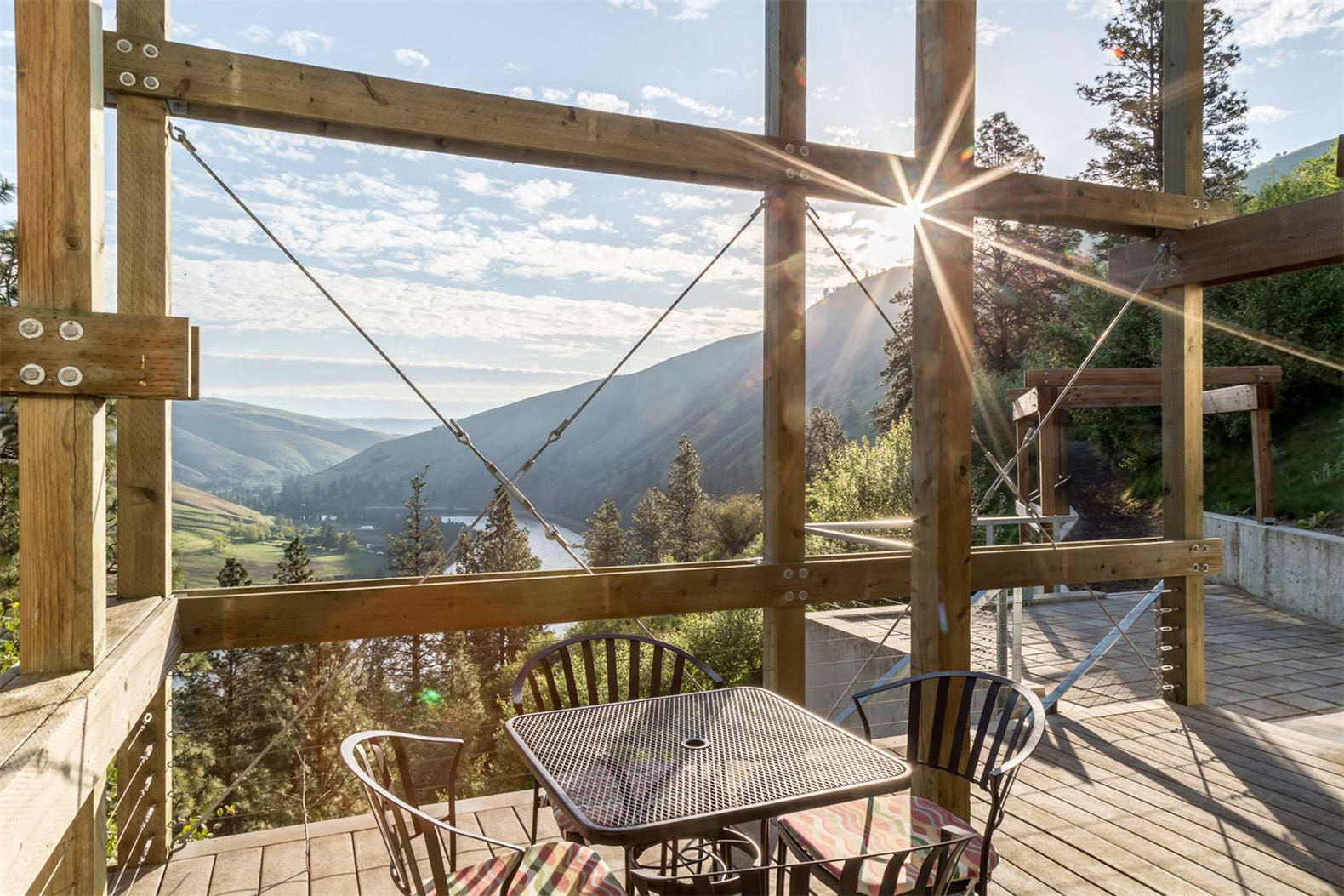 Gorgeous Staggered Timber Home Offers Panoramic Views Of Idaho S Wilderness Inhabitat