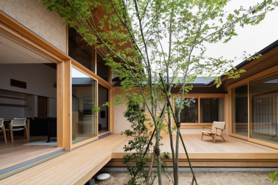 Exquisite Japanese House Wraps Around A Generations-old Tree
