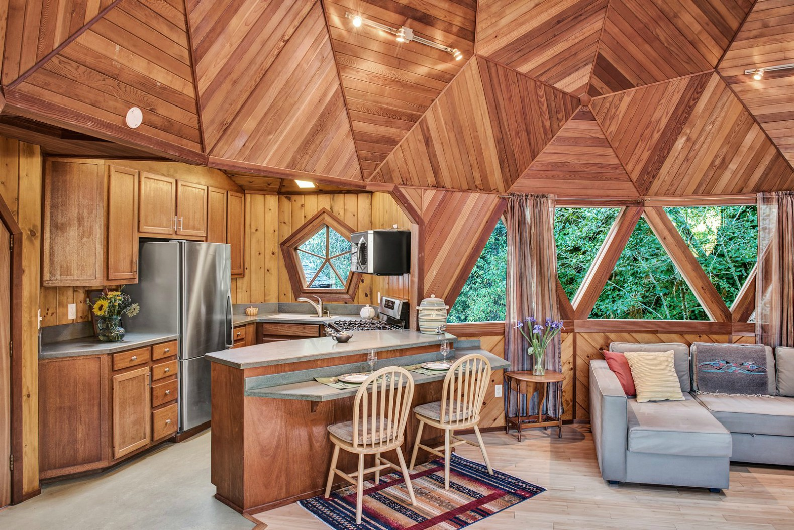 This Incredible Geodesic Dome Home Could Be Yours For 475k