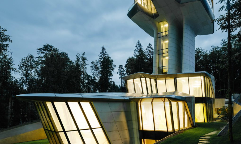 Zaha Hadid S Only House Rises Like A Spaceship In A Forest