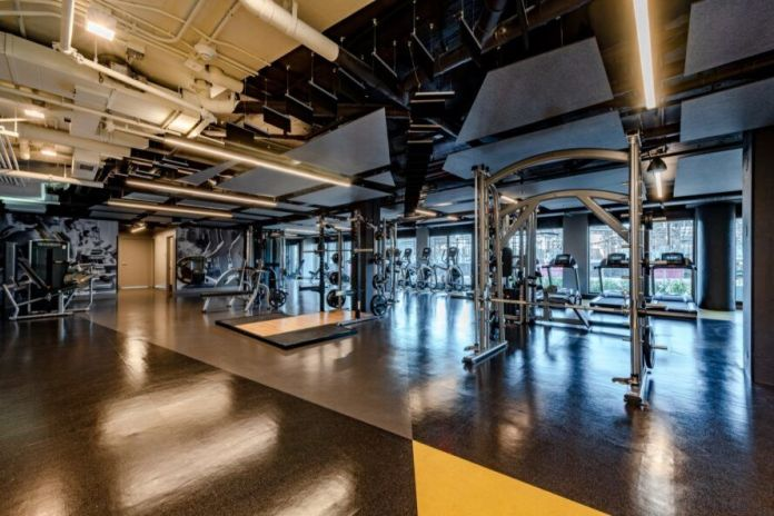 Large indoor gym in apartment complex