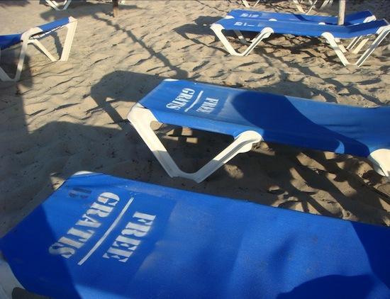 Intervención de hamacas gratis en Mallorca
