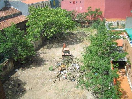 Imagen de la destrucción de Esta es una plaza en Lavapiés