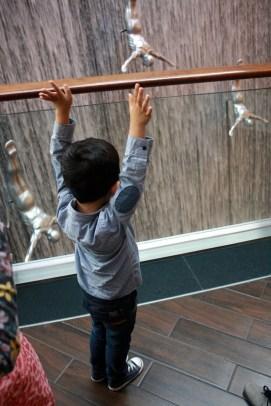Nov 15 03_Dubai Mall-060