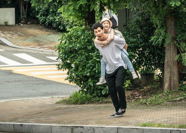 Harunya Reuni Ayah dan Anak di K-Movie Cheer Up, Mr. Lee - iniKpop