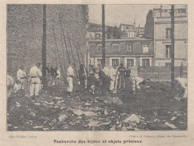 Photo of 1897 Paris Charity Bazaar fire workers combing rubble