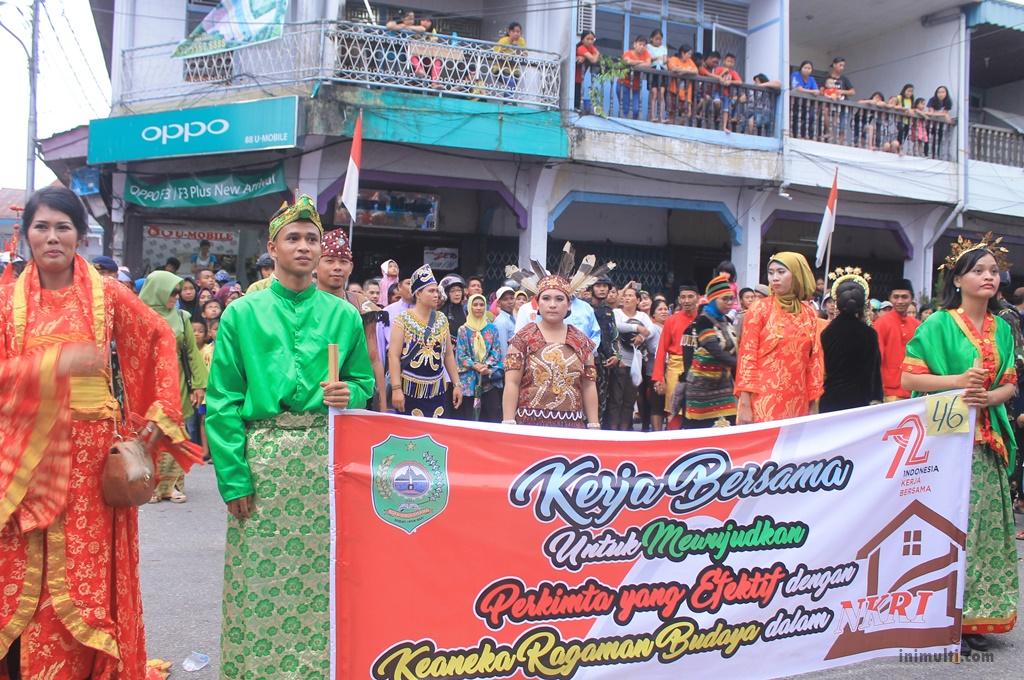 peserta budaya karnaval singkawang