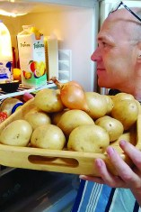 Ian realises his onions and spuds should be stored separately.