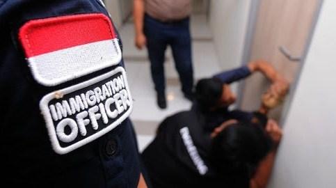 langgar izin tinggal 30 wn china di deportasi imigrasi semarang