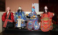 Permalink ke FOTO-FOTO: Boneka Wayang Potehi Dibuat dari Kayu Waru Gunung, Begini Proses Pembuatannya