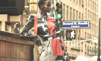 Permalink ke H&M Rilis Koleksi Gaun Sutra Dikombinasi Rajutan Klasik, Seperti Ini Gayanya