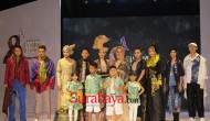 Permalink ke Gabung di 'East Java Fashion Harmony', Ivan Gunawan Kolaborasikan Batik dan Tenun dari Daerah-Daerah ini Jadi Busana Mewah
