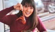 Permalink ke Eksplorasi Kuliner Indonesia di Program #PetualanganKuliner Bikin Food Vlogger Magdalena Ketagihan, Begini Komentarnya