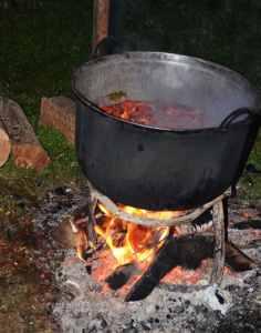maramures-repas-feu-de-bois