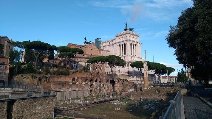 Rome-jpe-il-vittoriano-forum