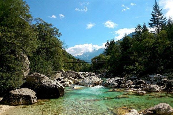 sejour-a-velo-les-delices-de-la-riviere-emeraude-en-slovenie