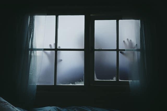 halloween-peur-maison-hantee-creatures-effrayantes