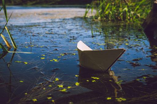 Photo de base : le bateau en papier
