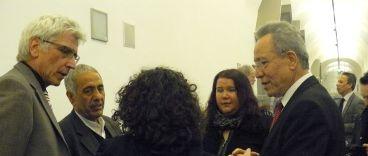 v.l.n.r.: OB Bertram Hilgen, Ismail Yozgat, (v.h.:) Ayse Gülec (Initiative 6. April, Schlachthof Kassel), Birgit Mair und Kamil Saygin