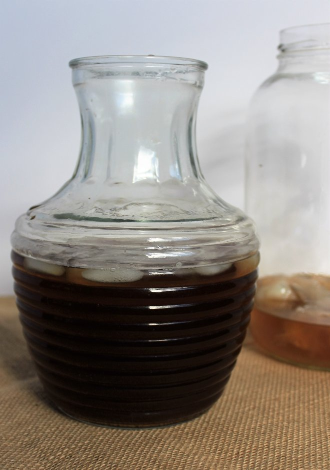 kombucha-tea-and-sugar-brew