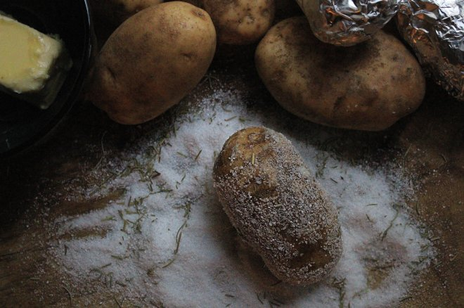 sea-salt-crusted-baked-potatoes-no-type