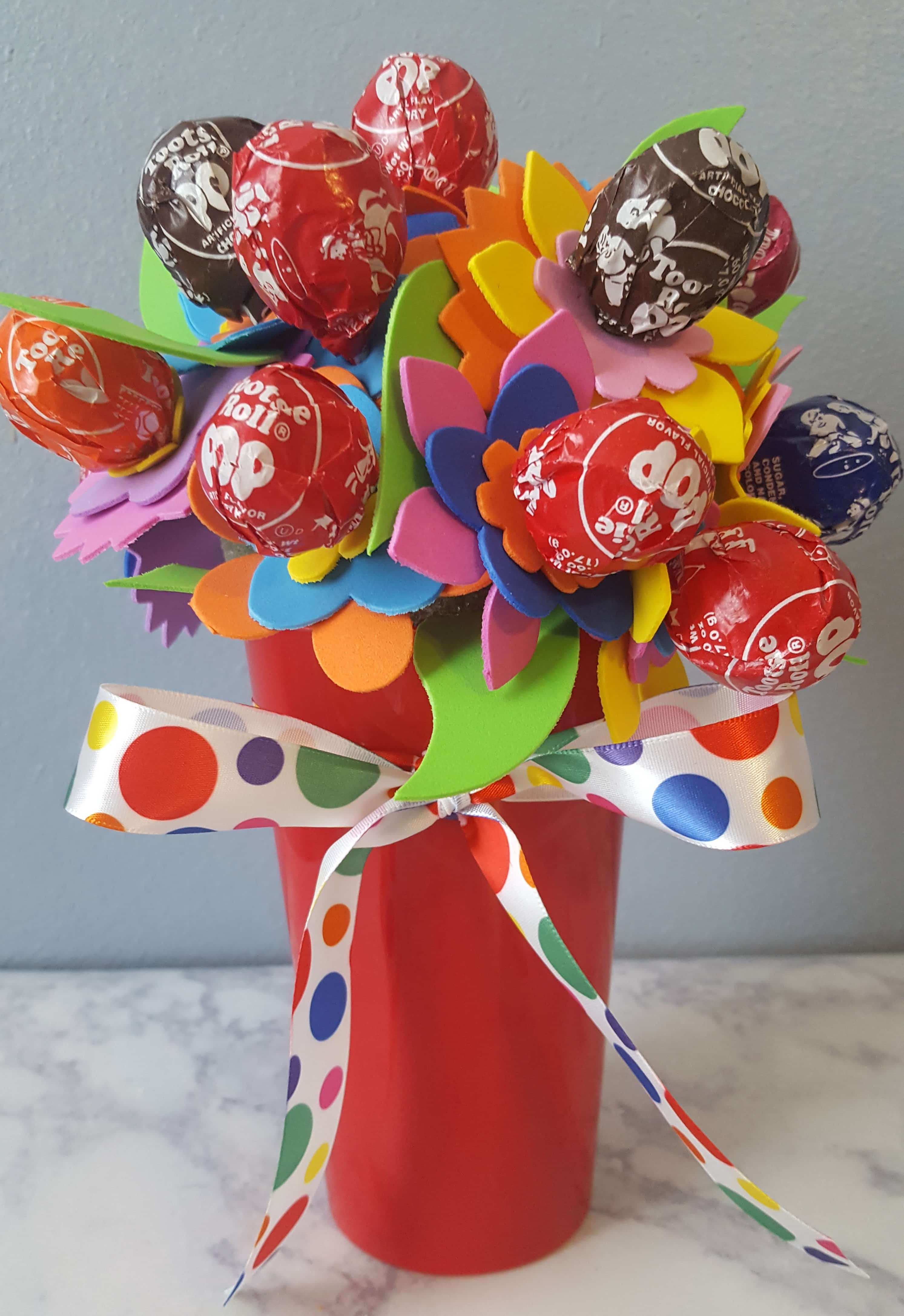 Easy Craft for Kids – Candy Flower Bouquet