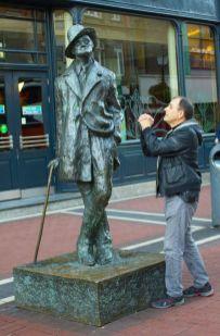 statue-5936a58411b87__605
