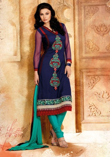 punjabi-salwar-kameez-for-girls