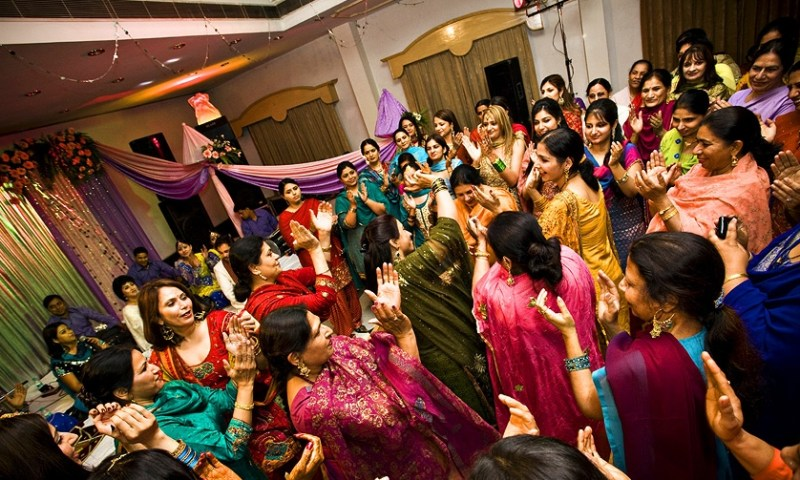 What should you wear on Ladies Sangeet Function?