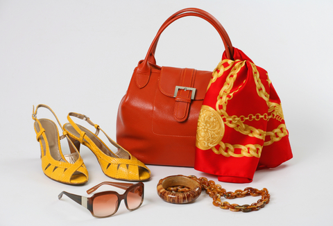 Top 10 Fashion Accessories That Women Must Have