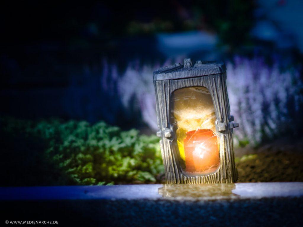 Ein leuchtendes Grablicht, Abendstimmung