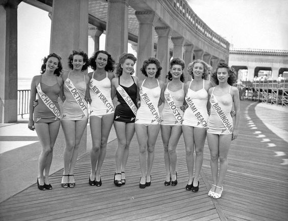 Miss America contestants in 1945