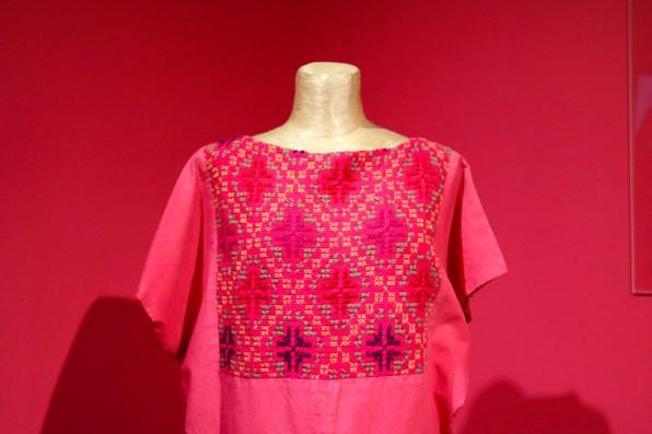 textil en rosa mexicano