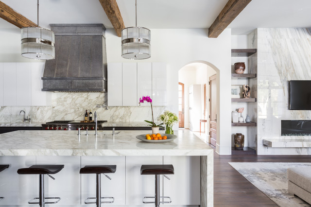 New This Week: 3 High-Contrast Luxe Kitchens (5 photos)