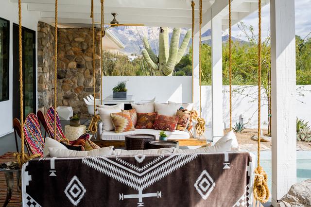 Houzz Tour: Desert Modern Indoor-Outdoor Living With a Twist (16 photos)