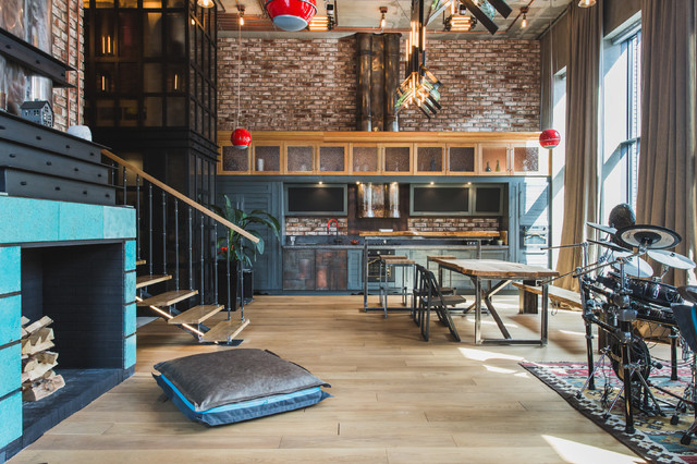 Houzz Tour: Family Rallies Around an Industrial-Chic Moscow Pad (27 photos)