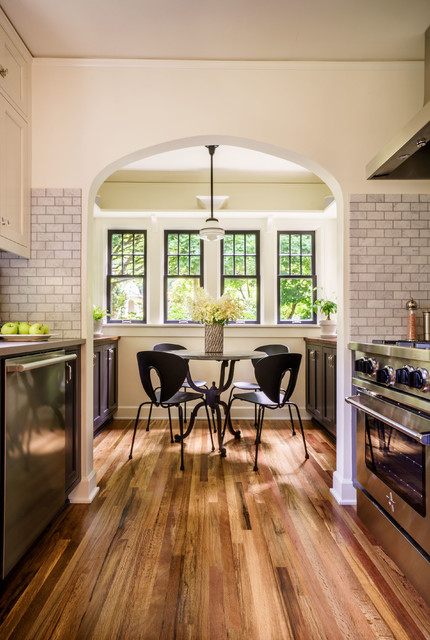 Kitchen of the Week: A Hardworking Room With 1925 Cottage Style (11 photos)