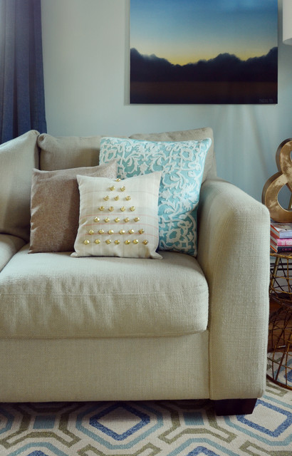 Holiday DIY: Jingle Bells for Your Sofa or Chair (13 photos)