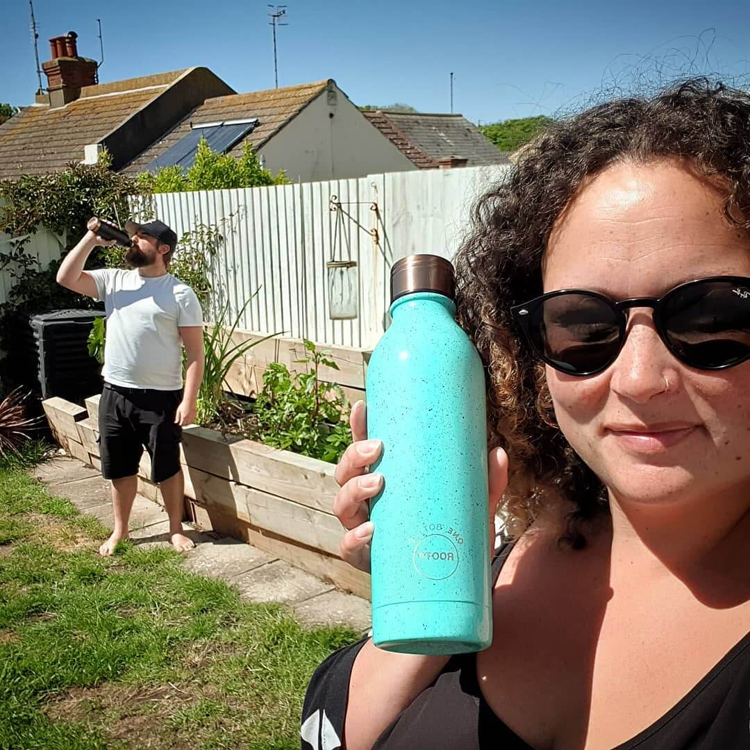 💙 Totally didn't get my husband to stand there for this photo 🤣 Stay hydrated with these gorgeous reusable bottles. Keeps drinks hot and cold! Tap on the product for full details