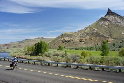 Scenic riding near the John Day Fossil Beds