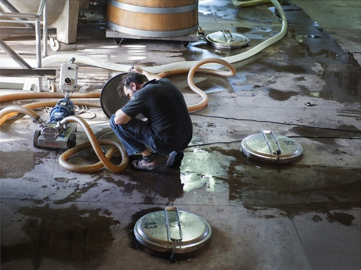 Tim Atkin - Winery in Lujan