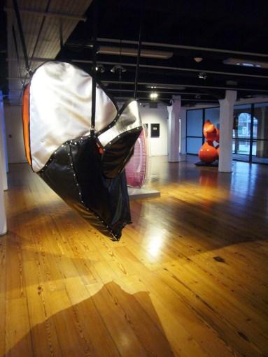 La escultura expuesta en la UCA. Gentileza: Susana Dragotta.