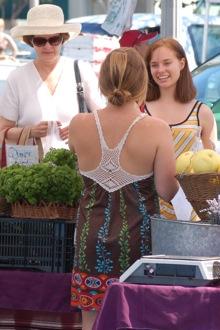 market_women_220.jpg