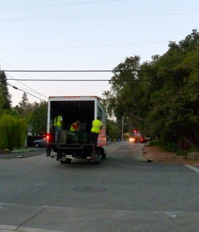 Collecting old cans as Menlo Park moves to new recycling program