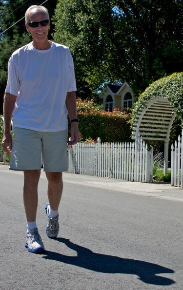 Bob Holmes, Menlo Park's walking man