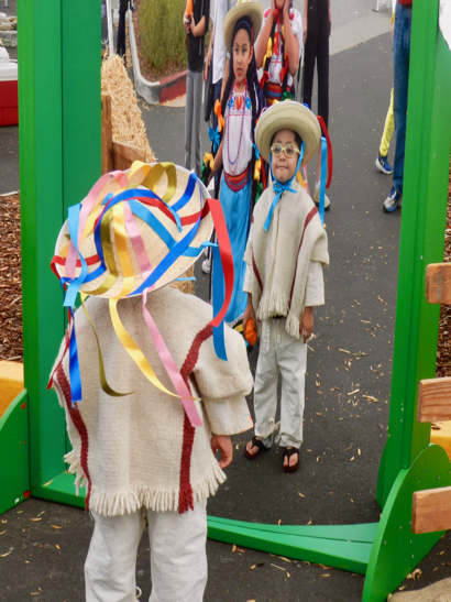 hispanic-kids-in-mirror_d-1