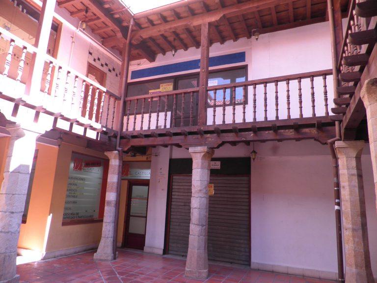 Local Plaza Porticada