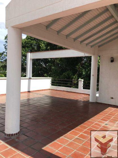 Vendo Casa 10 habitaciones en el Rosal, Cúcuta Cod 1526