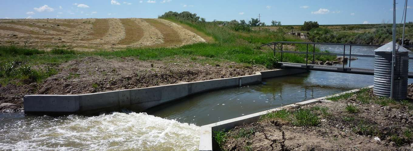 Ramp Flume or Broad Crested Weir